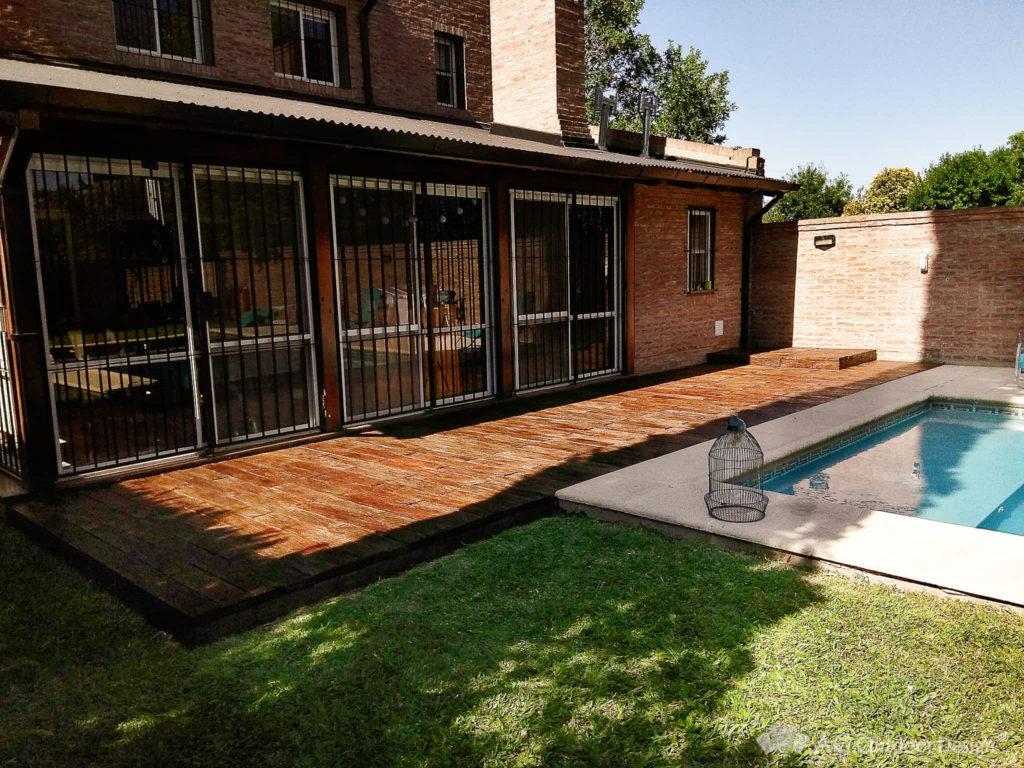 Deck de hormigon simil madera Lapacho AGOD Funes • AG Outdoor Design